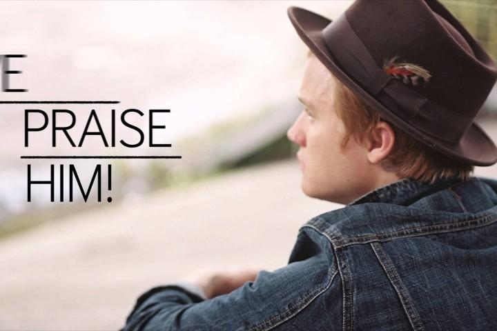 あなたが歌うとどうしてそんなにエモーショナルで哀愁が漂うの | Aaron Gillespie – Praise Him
